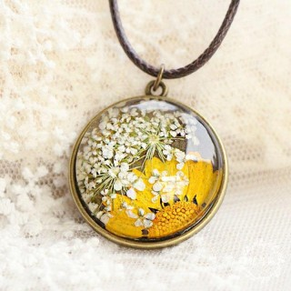 Time gemstone sweater   pendant with flower ornament